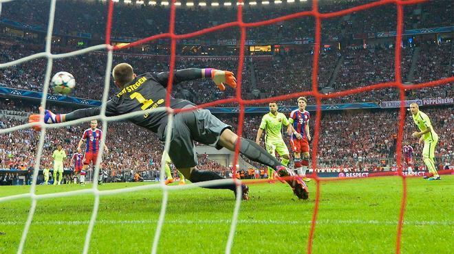 ¡Qué locura, Ter Stegen! ¿Os acordáis de la doble parada del azulgrana ante el Bayern?