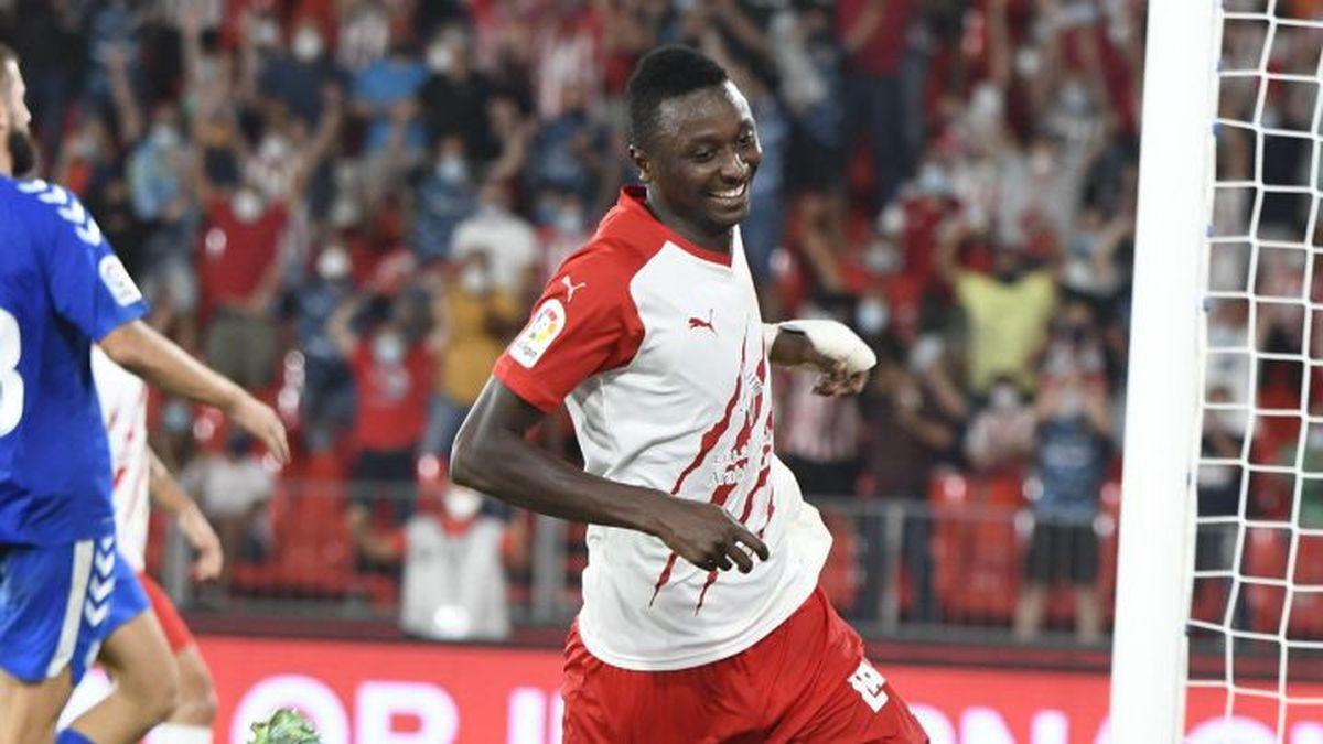 El Almería se encuentra en la cúspide de la liga con seis victorias y dos derrotas