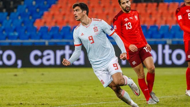 Gerard Moreno celebra un gol de España ante Suiza