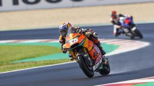 El poleman Raúl Fernández se lleva la victoria de Moto2 en el GP de San Marino