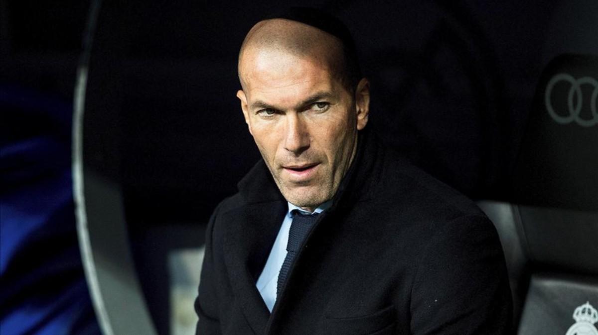 Zidane necesita un 9 para enero