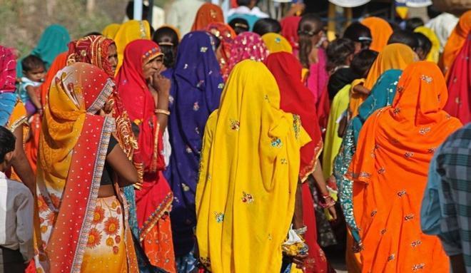 Una mujer en la India va al médico por un dolor abdominal y el diagnóstico es que es un hombre