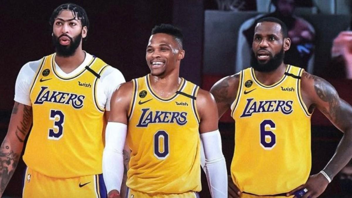 Davis, Westbrook y James