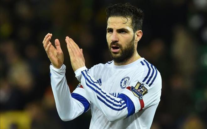 Cesc Fábregas no está contando con muchos minutos en el Chelsea.