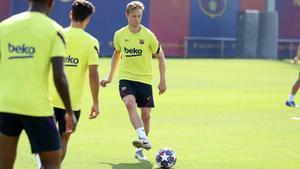 El FC Barcelona continúa preparando el partido ante el Nápoles