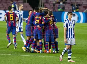 Imágenes del partido entre el FC Barcelona y la Real Sociedad correspondiente al partido adelantado de la  jornada 19 de LaLiga, disputado en el Camp Nou, Barcelona.