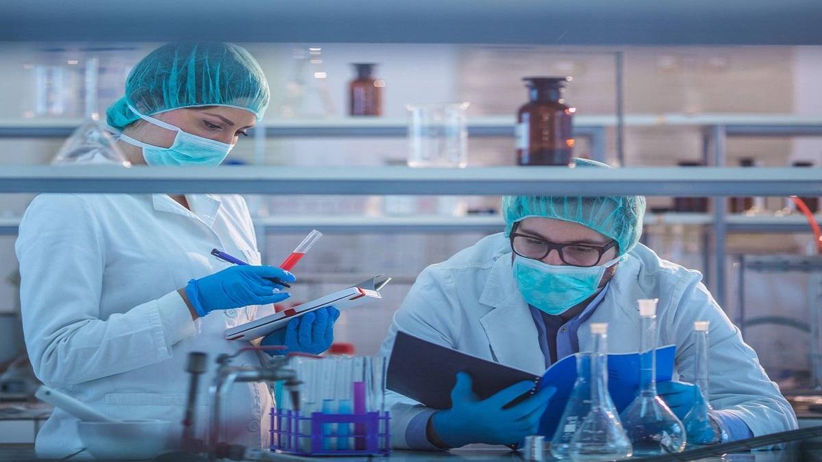 Expertos y científicos acosados en la red por sus investigaciones sobre el Covid-19