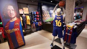 La camiseta de Pau Gasol, en la tienda del Barça