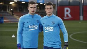 Iñaki Peña y Arnau Tenas, porteros del Barça