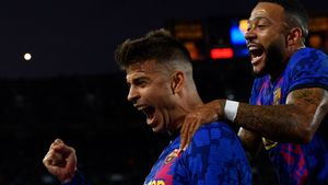 Gerard Piqué celebró así el gol junto a Memphis