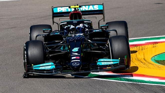 Bottas, el más rápido en el primer libre de Imola
