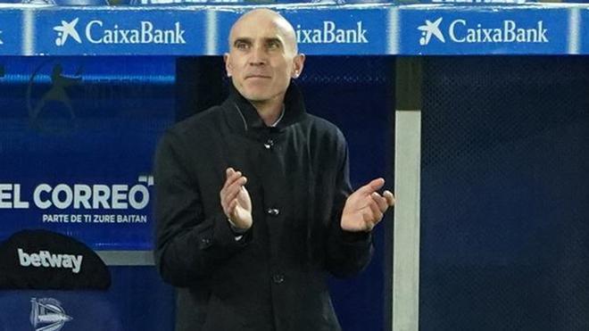 Bettone, en ausencia de Zidane, ejerció de primer entrenador en Vitoria