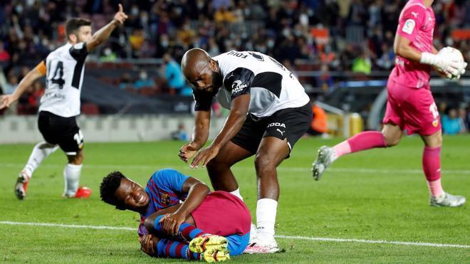 Diakhaby acusó a Ansu de tirarse en el penalti
