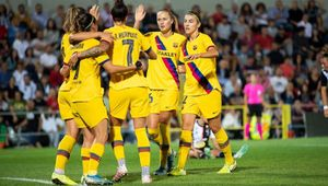 El Barça femenino celebra un tanto ante la Juventus