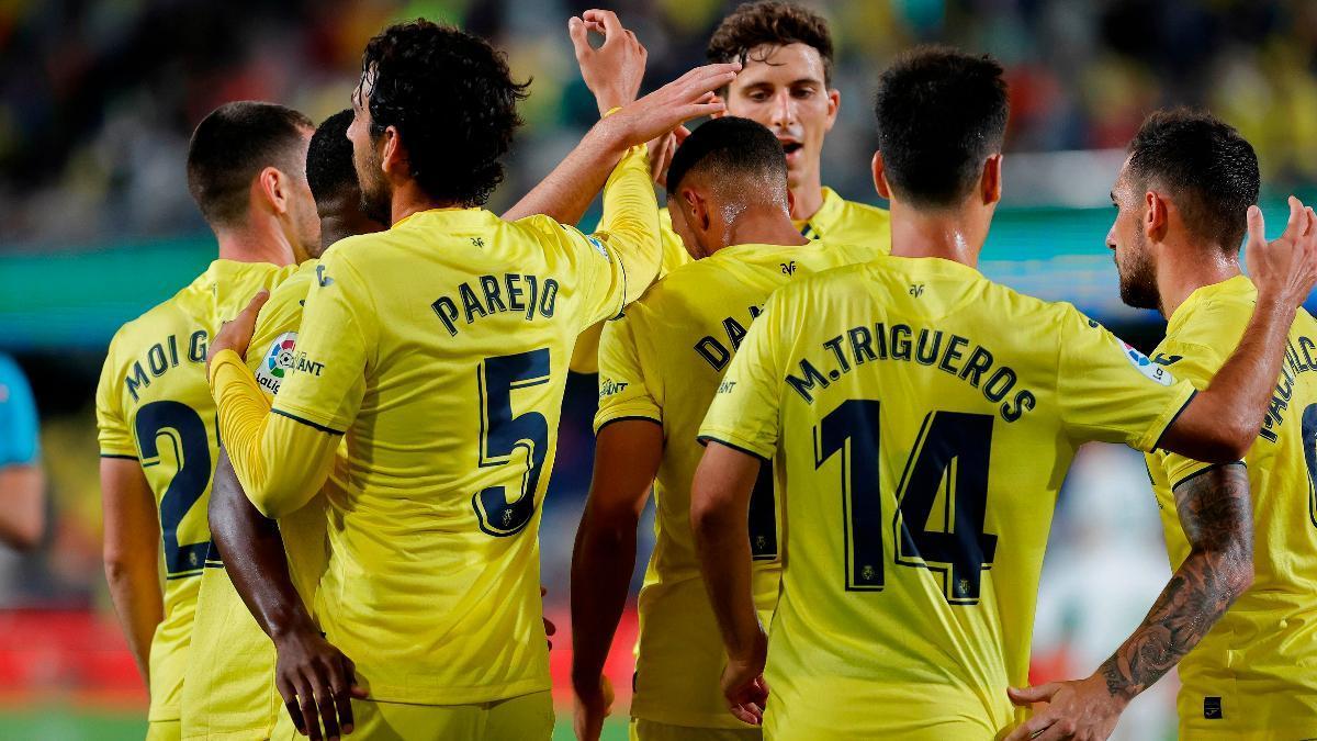 La plantilla del Villarreal CF celebrando un gol