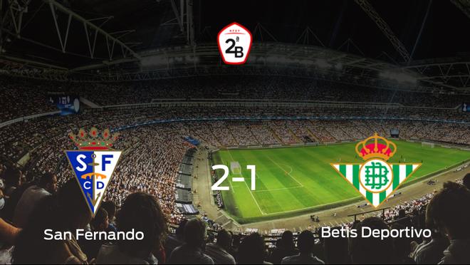 El San Fernando logra los tres puntos frente al Betis Deportivo (2-1)