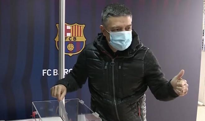 García Pimienta, técnico del Barça B, también ha votado ya