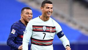 Cristiano bromea von Mbappé durante el Francia-Portugal