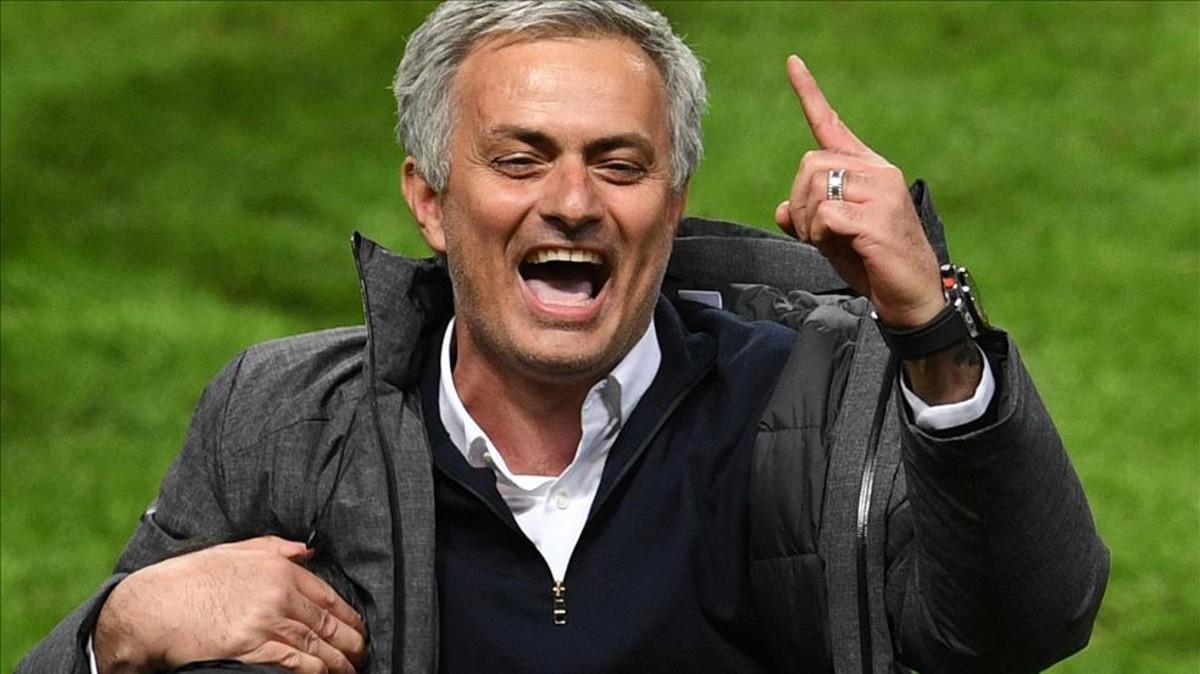 Mourinho, un número 1 de los banquillos