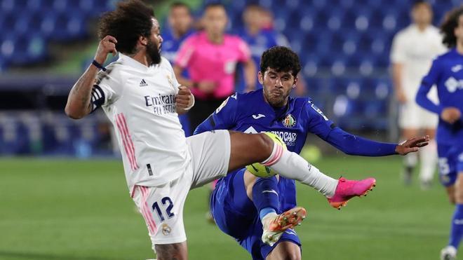 Marcelo: Yo creo que aporto mucho al equipo, jugando o no
