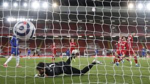 El gol de Mount condenó al Liverpool
