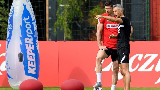Paulo Sousa, junto a Lewandowski