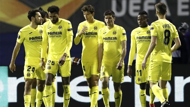 Los jugadores del Villarreal celebrando el gol de penalti