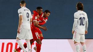 ¡Marca el Sevilla! ¡Marca Fernando! ¡Cobra ventaja el Sevilla!, así narraron las radios el gol de Reges