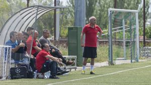 Josep Cuca Palau, incombustible al frente del equipo de la Agrupació